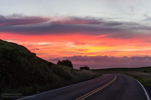 road sunset red orange usa rouge atardecer hawaii us rojo nikon carretera unitedstatesofamerica hill nikkor ocaso loma anaranjado puestadelsol d4 bigislandofhawaii northkohala 2470mmf28g kohaladistrict 2013061019252