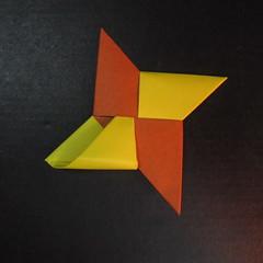 สอนวิธีพับกระดาษเป็นดาวกระจายนินจา (Shuriken Origami) - 016