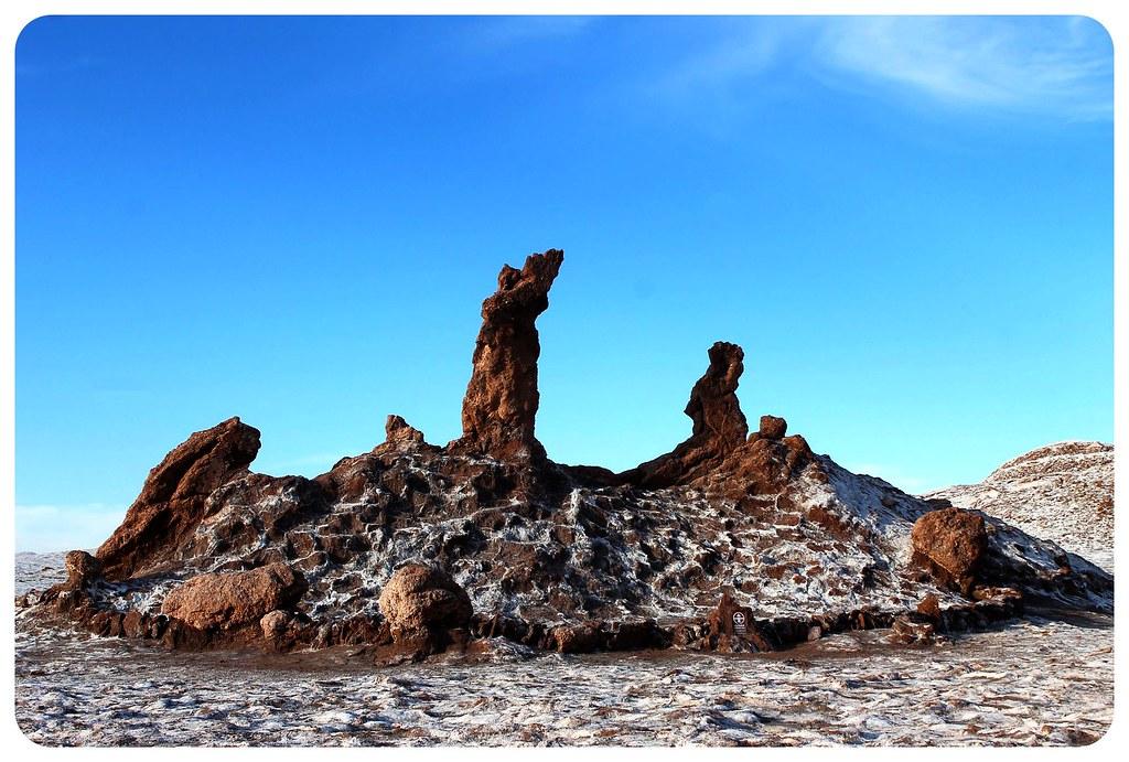 valle de la luna atacama desert saltine three marias