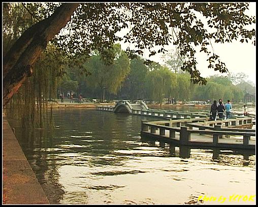 杭州 西湖 (其他景點) - 557 (西湖十景之 柳浪聞鶯 在這裡準備觀看 西湖十景的雷峰夕照 (雷峰塔日落景致)