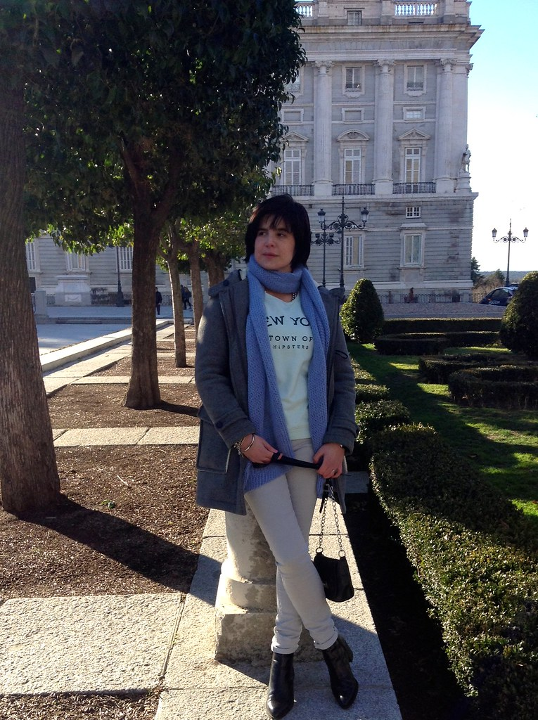 Palacio Real, Plaza de Oriente, Madrid, España: Outfit of the day - Zara