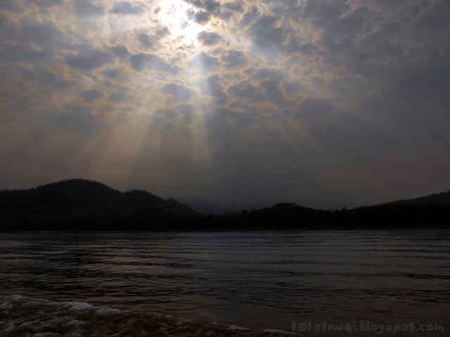 Mekong Cruise Sunbeams