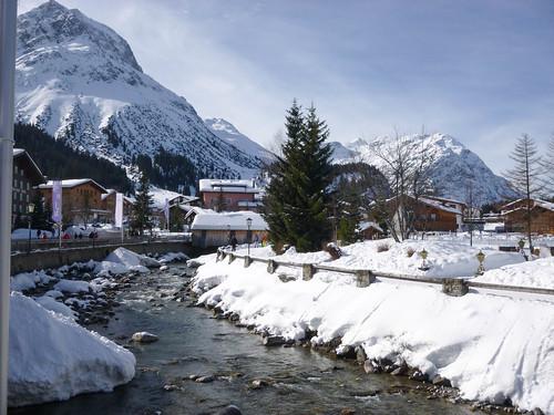 Río en mitad de Lech