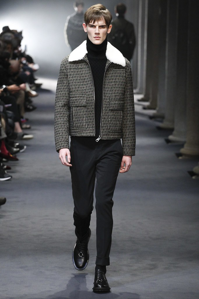 FW15 Milan Neil Barrett008_Callum Ward(VOGUE)