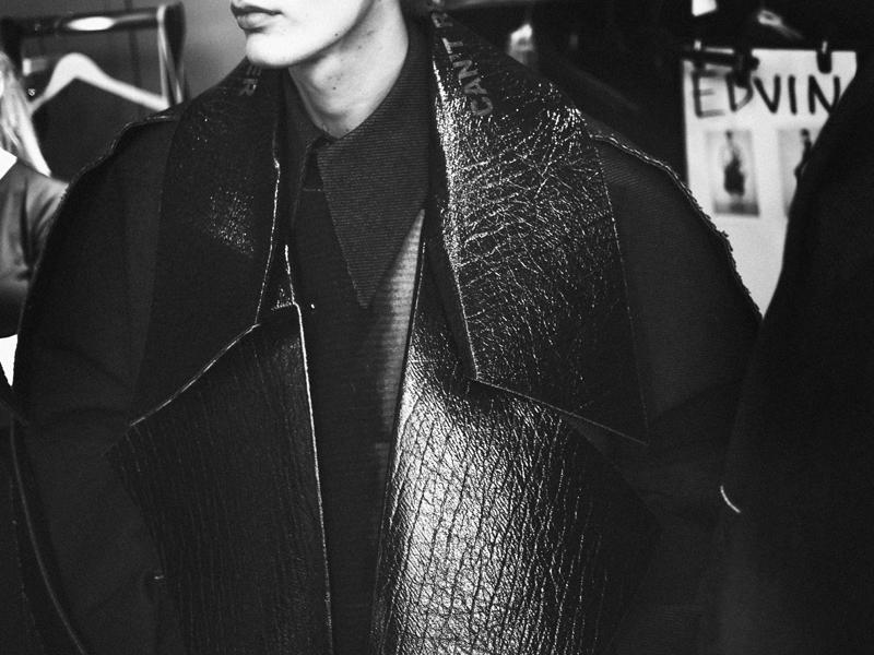 Mikkoputtonen_fashionblogger_london_H&M_design_award_2015_winner_ximon_lee_backstage_show7_web