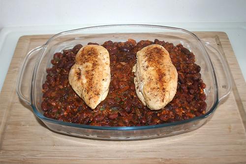 42 - Hähnchenbrustfilets auflegen / Add chicken breasts