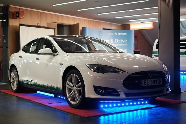 tesla type 2 charger on electric cars. Black Bedroom Furniture Sets. Home Design Ideas