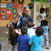 colégio EDEM, falando de guitarra com as crianças