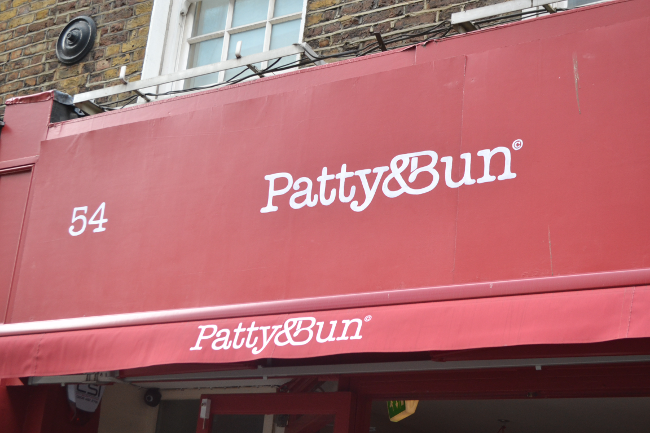 Daisybutter - UK Style and Fashion Blog: patty & bun, restaurant review, central london restaurant recommendation