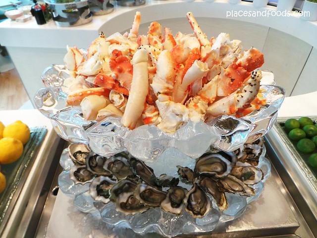 taste king crabs