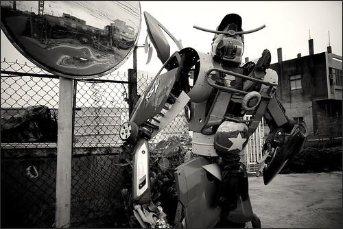 回收站老闆自組的機器人