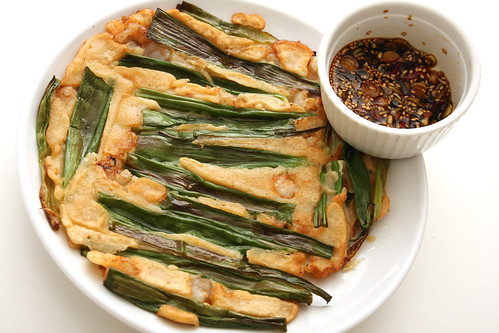 saeu pajeon (green onion pancake with shrimp)