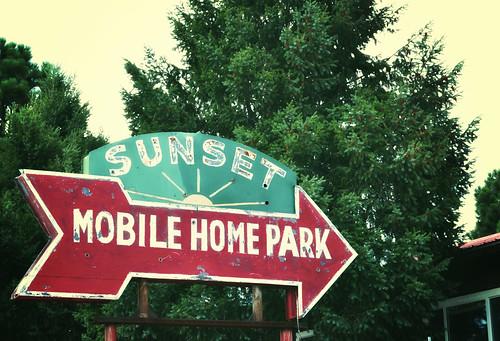 vintagesign signporn walsenburgcolorado sunsetmobilehomepark