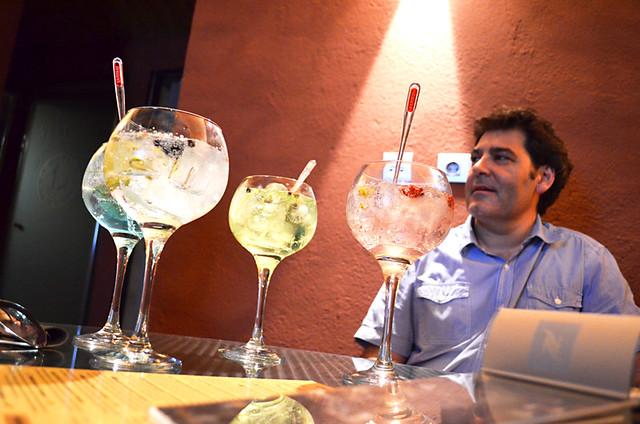 Ramon Pau, Els Cacadors, gin and tonic