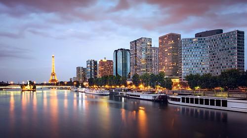 Quai de Grenelle   #Paris by night 巴黎 France