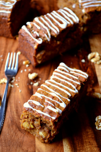 Spiced Apple and Walnut Traybake