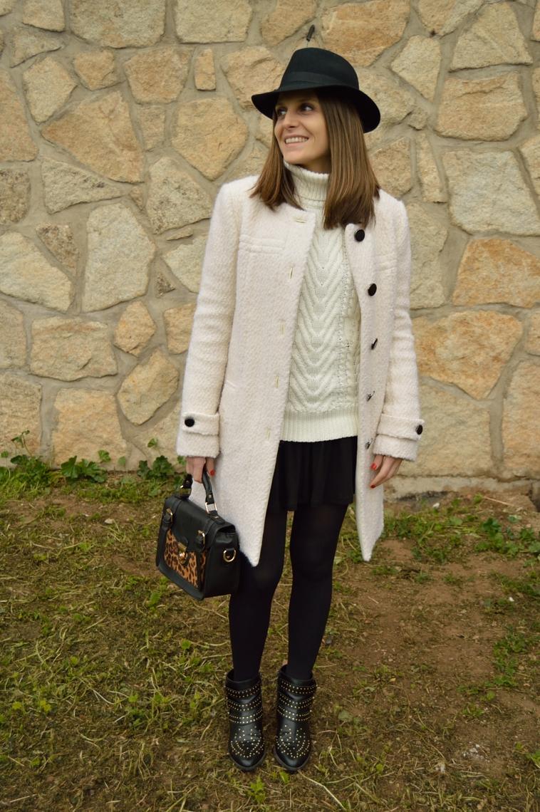 lara-vazquez-madlula-fashion-blogger-total-look-whiteandblack-outfit-hat