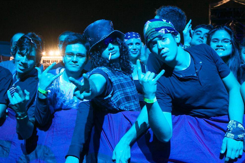 Miles de fans asistieron a los conciertos, muchos de ellos vestidos para la ocasión haciendo alusión a la cultura rock, estilo musical que los hizo vibrar el día 1 del Personal Fest. (Tetsu Espósito)