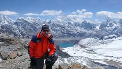 Renjo Pass 5400m - za mna w tle Everest