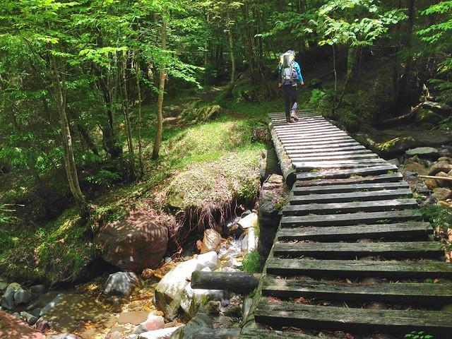 高見石小屋への登山道