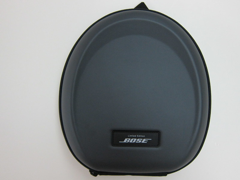 Bose QC15 - Carrying Case (Front)