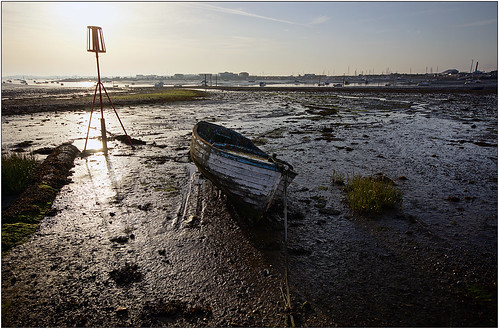 sun sunrise boat mudflats oldboat sigma1020mm langstoneharbour a65 alpha65