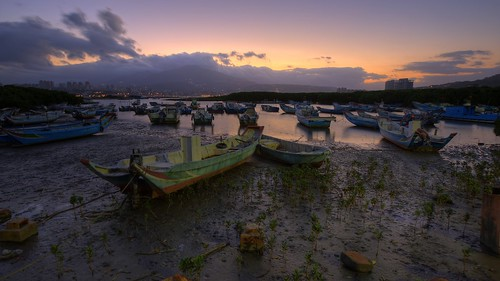 new morning bali color night clouds port sunrise landscape photography boat early day quiet silent image taiwan sunny vessel scene estuary wetlands mooring taipei temperature areas 台灣 jing 夜景 hdr 風景 chen riverview outfall protected tamsui 八里 濕地 淡水河 日出 清晨 挖子尾 晨景 保護區 色溫 風景攝影 debouchment 台灣影像 河景 新北市 色溫攝影