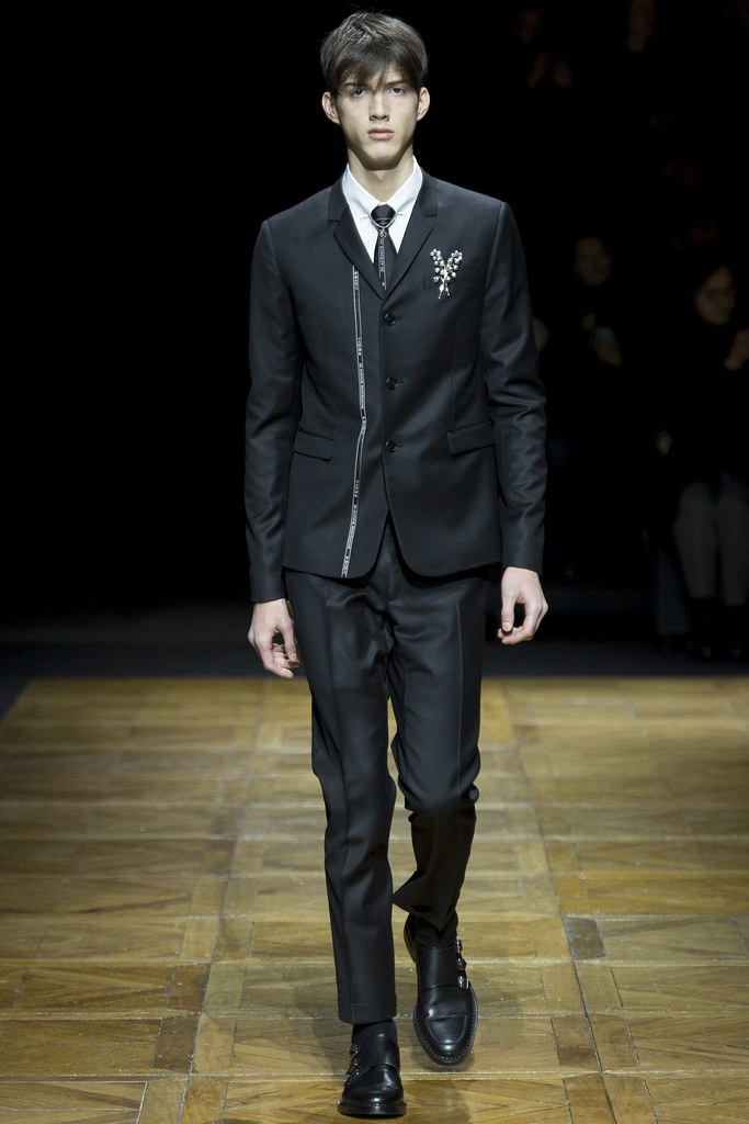 FW14 Paris Dior Homme004_Albert Razumov(VOGUE)