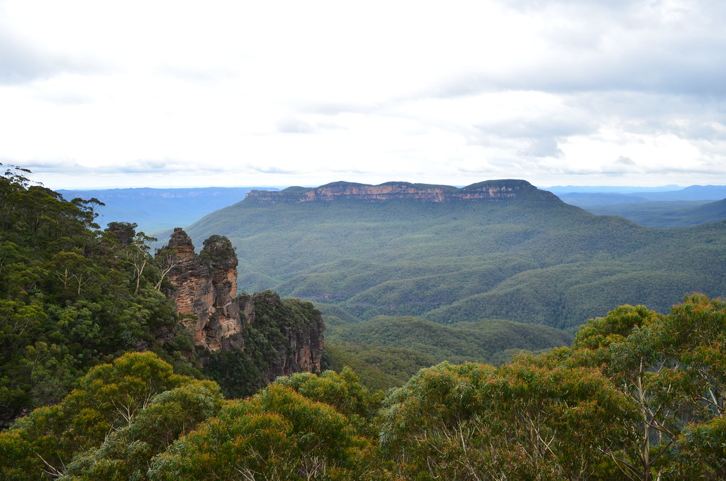 The Three Sisters from Spooners Lookout - Blue Mountains