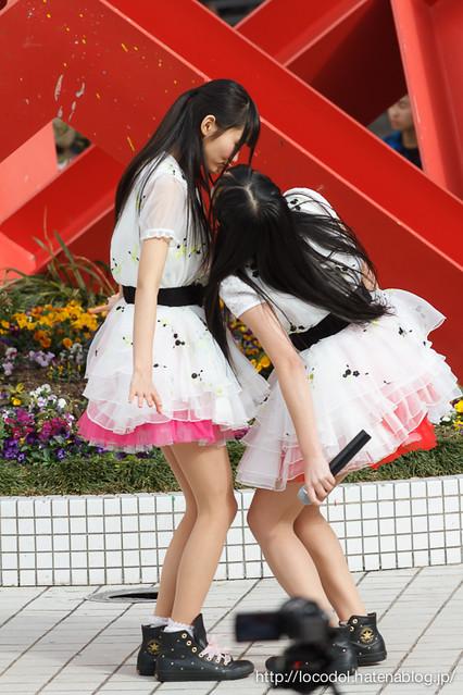「アイドルギフト」での 10COLOR'S の松本亜季と山本久恵