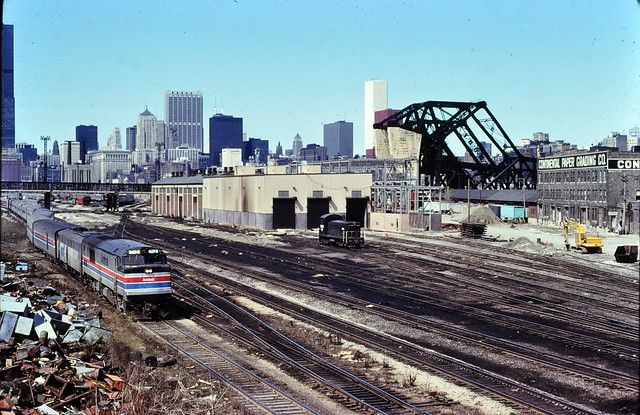 Amtrak GE's at  21st st Chicago Nov 1978 ,