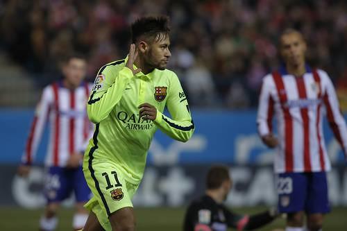 Con su segundo gol, el brasileño Neymar liquidó el encuentro 3-2 antes del intermedio Foto Ap