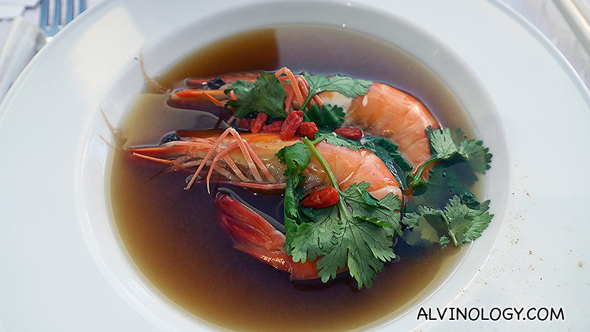 Live Prawns with Chinese Herbs and Wine