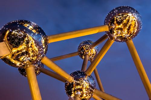 brussels night canon lights belgium bruxelles bluehour brüssel atomium belgien blauestunde heysel 70d expo58 brupark belique nachlicht oliverherbold