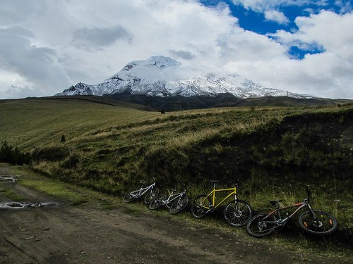 Descente du volcan Chimborazo à vélo: pause de midi bien méritée !