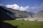 Nepal, Mustang-Trekking. Kagbeni im oberen Kali Gandaki mit Nilgiri. Foto: Archiv Härter.