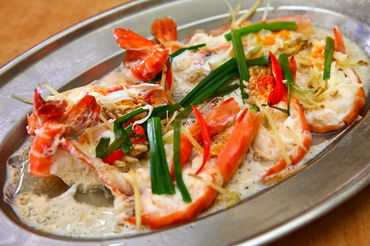 Steamed-River-Prawns