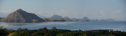 indonesia boattrip komodo komodoisland lessersundaislands views100 2013 pulaukomodo nusatenggaratimur eastnusatenggara worldtrekker 20130511084237dsc0452panorama