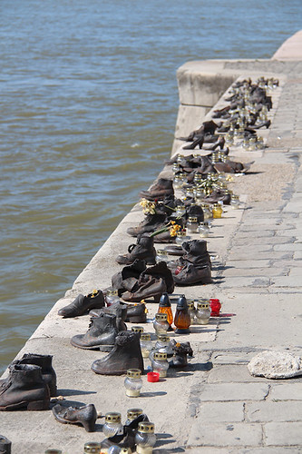 Shoes on the Danube (art installation)