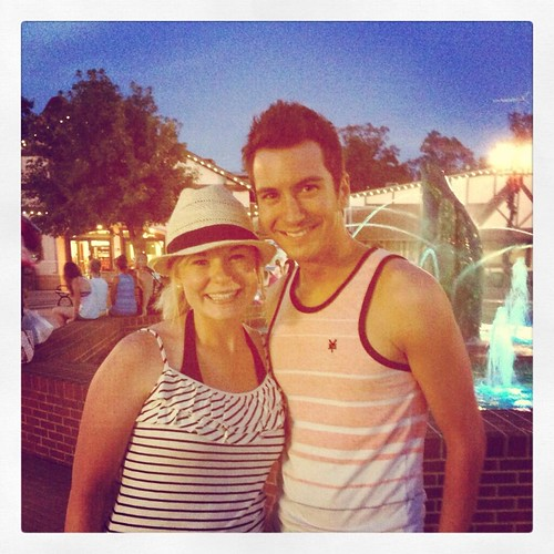 American Idol finalist Paul Jolley visits Holiday World