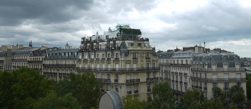 17 顶层的窗外,要下雨了