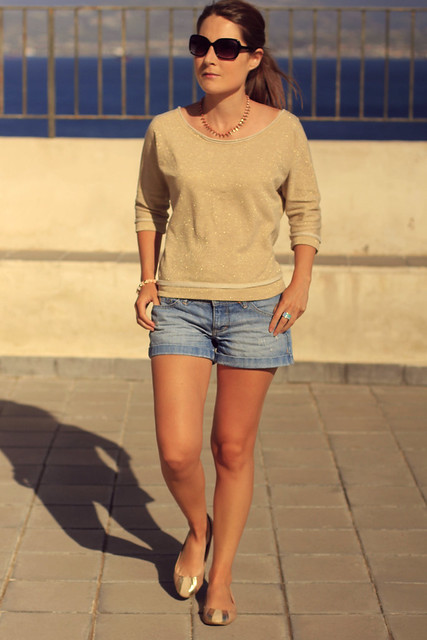 shorts y dorado