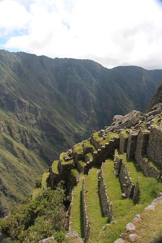 Machu Picchu 2013-Don't Fall!  Gonesomewhere.com