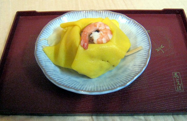 Chakin-zushi, Gomoku-zushi wrapped in a thin layer of omelette.