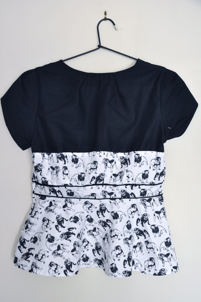 1 pattern 7 bloggers challenge peplum top black white piping bulldog piping colette patterns macaron