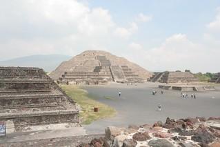 Day3-2 太陽のミラミッドと月のピラミッド