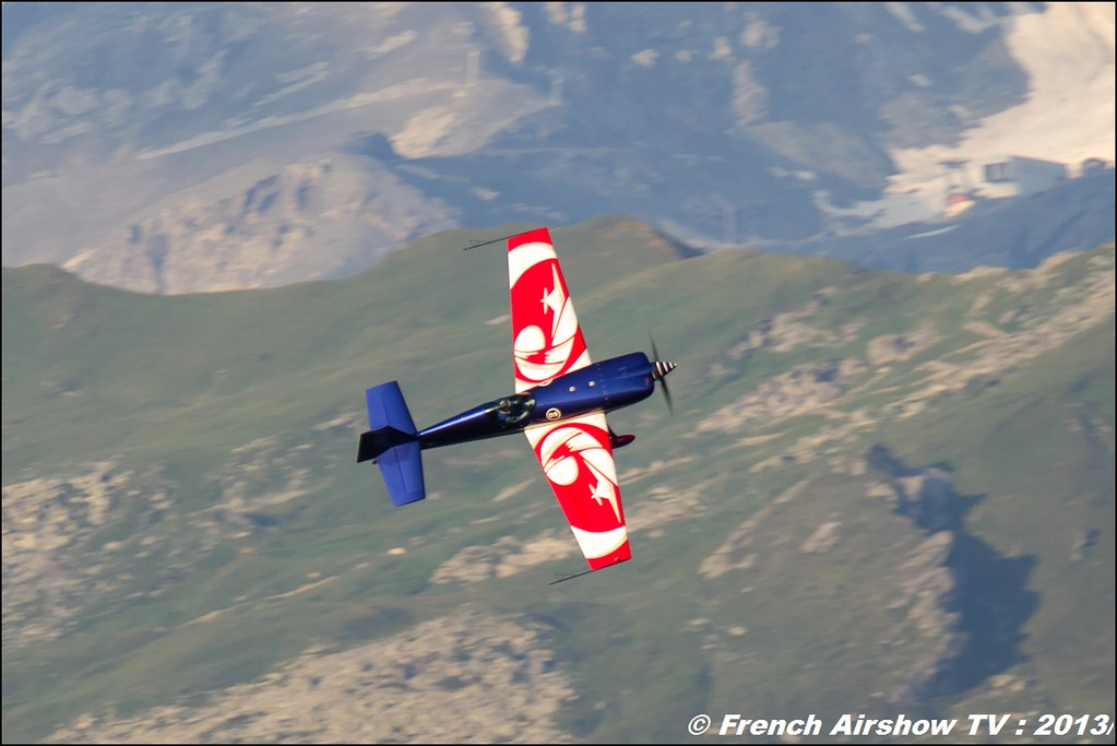 EVAA Extra 330SC ,Fete de l'air,Courchevel Saut à Ski 2013