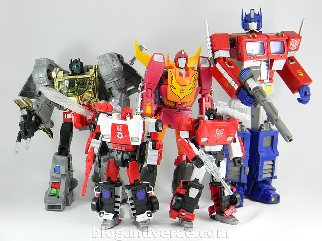 Transformers Red Alert - Masterpiece - modo robot vs otros Masterpiece