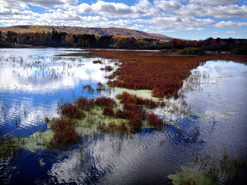 autumn mountain fall water leaves wisconsin clouds rib 4s iphone wausau