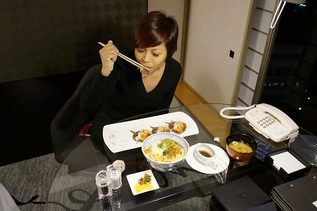 junior suite - hilton tokyo - hiltonhoteldeals (6)
